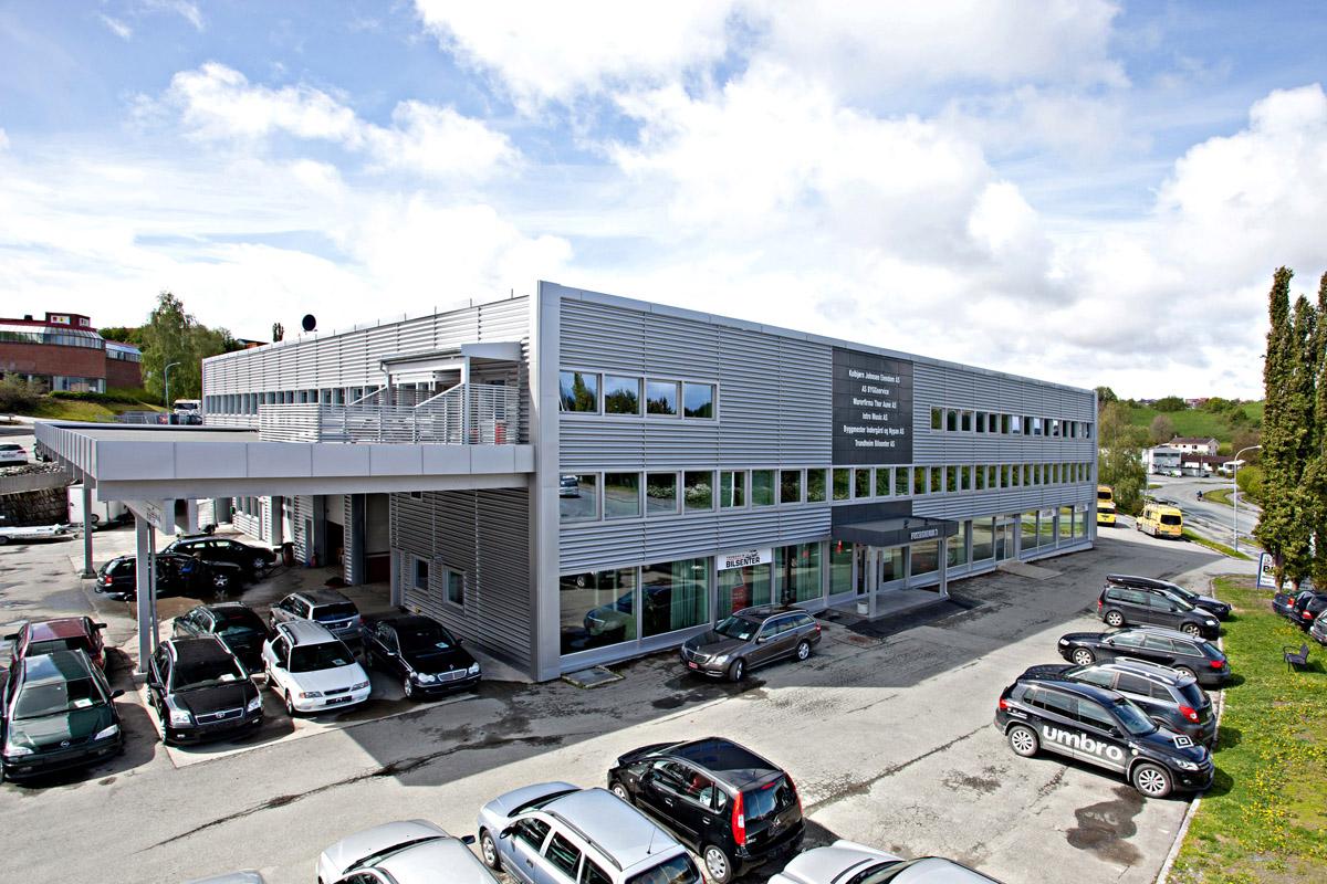 Næringsbygg til Kollbjørn eiendom i Fossegrenda.